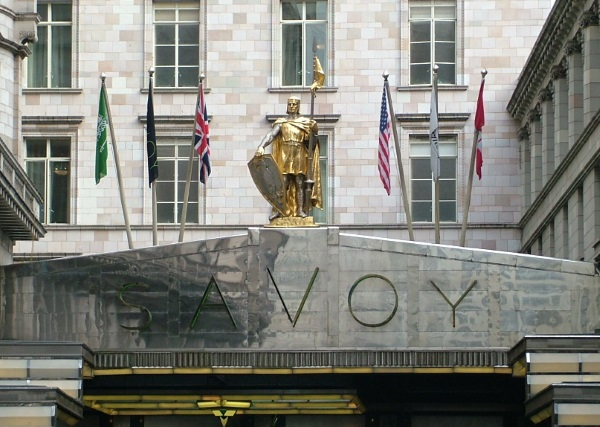 Front of 5 star Savoy Hotel London