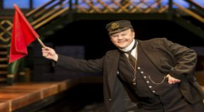 justin fletcher in the railway children theatre breaks